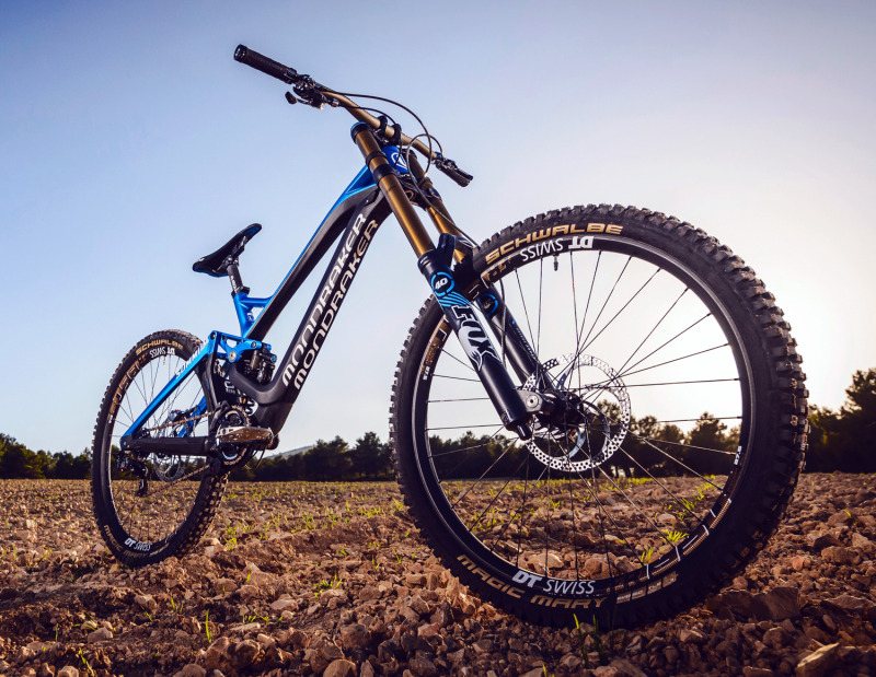 Mondraker Summum Carbon - is this the lightest downhill frame around?