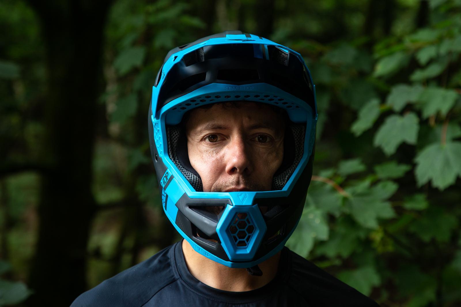 7 Protection Project .23 GF Helmet