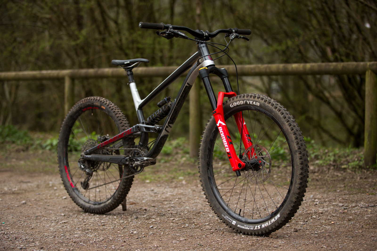 Marzocchi Z1 Bomber Suspension Fork Review (4)