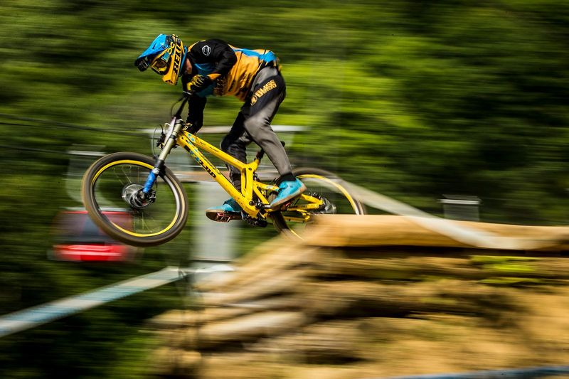 Propain Dirt Zelvy Dirt Magazine Propain Bikes Zelvy Carbon UCI Downhill World Cup Mont Sainte Anne Phil Atwill Wideopenmag