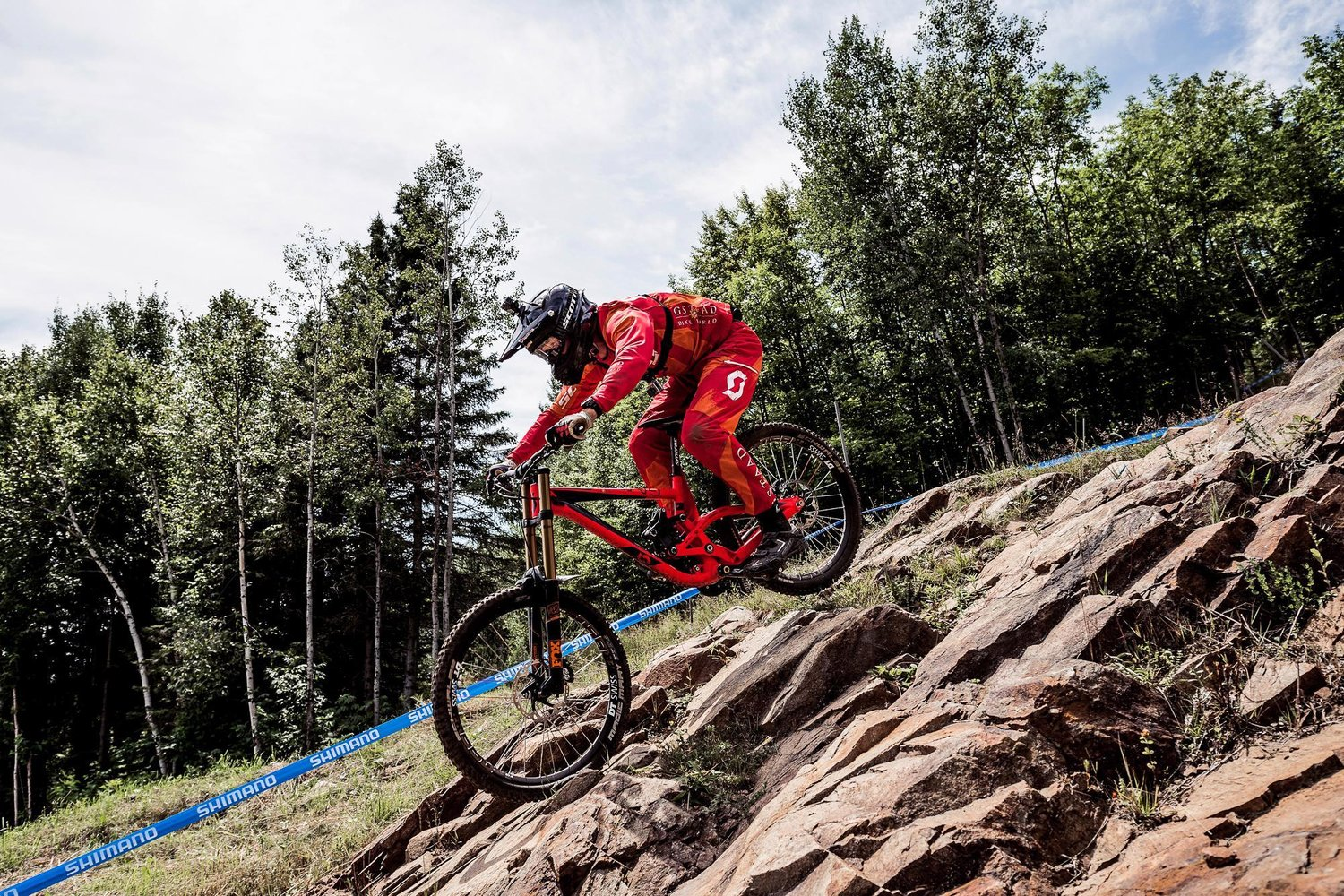 Red Bull GoPro UCI Downhill World Cup Mark Wallace Claudio Caluori Gstaad-Scott Devinci Factory Racing Wideopenmag