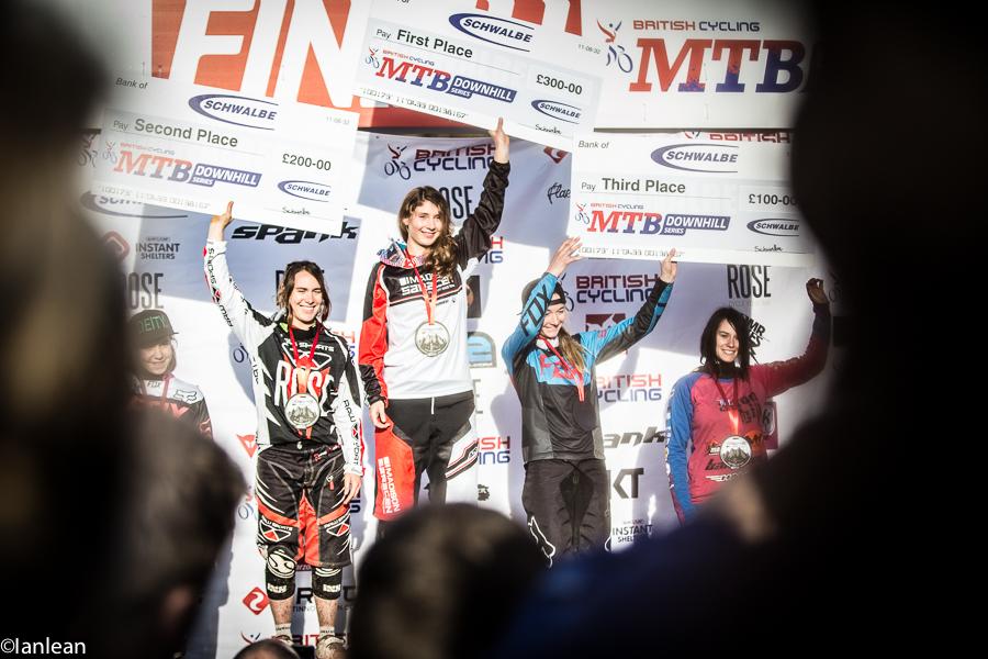 womens_podium